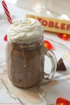 This 2 Minute Toblerone Hot Chocolate recipe is so gooooood!