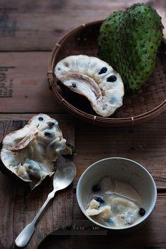 Dingue des Anonacées - Corossol <3 la plus fibreuse de toute, avec une acidité délicate et douce
