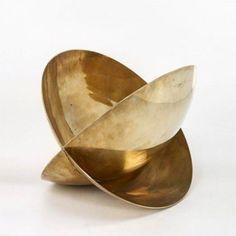 Love a bit of Mangiarotti  via @scandinavian_collectors  ANGELO MANGIAROTTI Spazio Curvo bronze bowl/sculpture Italy 1999. / Wright  #SpazioCurvo #angelomangiarotti #bronze #sculpture #modernart #design #abstractart #metalart #modernism #mangiarotti #contemporarydesign #scandinaviancollectors #italiandesign #italy #wright
