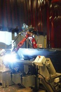 Picanol last en lijmt met Valk Welding robots - http://visionandrobotics.nl/2015/10/30/picanol-last-en-lijmt-met-valk-welding-robots/