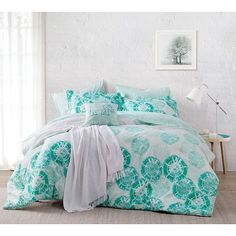 Extra Long Twin Comforters and Dorm Duvet Covers For Ultra Soft College Bedding Comfort College Comforter, Twin Xl Comforter, Bedding Sets, Banner Vintage, Ole Miss Dorm Rooms, Dorm Room Comforters, Dorm Essentials, Bed Styling, My New Room