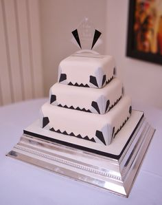 Art Deco vegan wedding cake