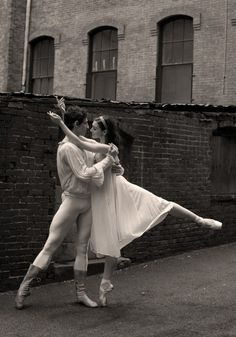 Boston Ballet's Romeo and Juliet, photo by Rosalie O'Connor.
