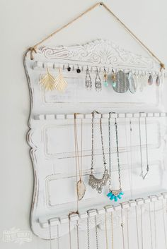 Make a beautiful, French Country jewelry organizer from a thrifted spoon rack with a few alterations and some chalk paint Diy Jewelry Rack, Lace Jewelry, Jewelry Holder, Jewellery Storage, Necklace Holder, Metal Jewelry, Jewelry Crafts, Jewelry Accessories, Handmade Jewelry