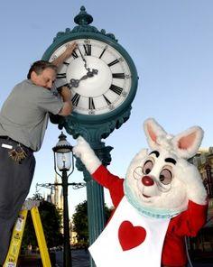 Surprising Ways to Save Time at Walt Disney World - Disney Theme Park Tips and Tricks - Parenting.com