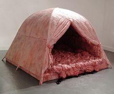 La tente Zombie de Andrea Hasler - http://www.2tout2rien.fr/la-tente-zombie-de-andrea-hasler/