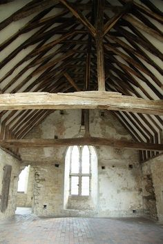 Old Soar Manor, Plaxtol: This is a rare example of medieval domestic architecture. The surviving complete 'Solar Principal' room built c.1290, with it's crown-post collar-purlin roof, is one of the oldest examples in the country.