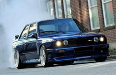 One of the best cars ever made // BMW E30 M3!