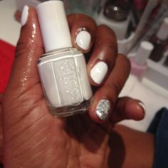 Stunning 'blanc' with a sparkly luxeffects topcoat! #essielook #LCT14 #lovehair #lovenails