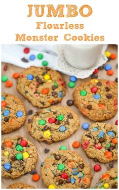 Flourless Jumbo Peanut Butter Monster Cookies - Flourless, delicious, chewy peanut butter oatmeal monster cookie made a little healthier! You would never know there wasn't flour in these monsters! Flourless Desserts, Chocolate Desserts, Chocolate Chip Cookies, Gluten Free Cookies, Healthy Cookies, Healthy Desserts, Healthy Recipes, Best Chocolate, Chocolate Peanut Butter