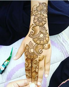 New arabian bridal henna mehndi designs Ideas Latest Arabic Mehndi Designs, Full Hand Mehndi Designs, Mehndi Designs For Girls, Mehndi Designs For Beginners, Stylish Mehndi Designs, Wedding Mehndi Designs, Mehndi Design Pictures, Mehndi Designs For Fingers, Latest Bridal Mehndi Designs