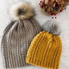 Here is the free crochet pattern for the Jennie Beanie. This elegant looking beanie uses simple crochet stitches to bring you a knit-looking winter hat. Crochet Beanie, Knitted Hats, Easy Crochet, Crochet Hooks, Knitting Patterns, Crochet Patterns, Crochet Winter, Beanie Pattern, Single Crochet