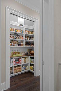 Kitchen Pantry Design, Kitchen Organization Pantry, Kitchen Cabinetry, Home Decor Kitchen, Interior Design Kitchen, Kitchen Ideas, Closet Organization, Kitchen Pantries, Kitchens
