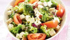 #parsakaali #tomaatti #salaatti #feta #sitruuna #lisäke #bbq #kruoka