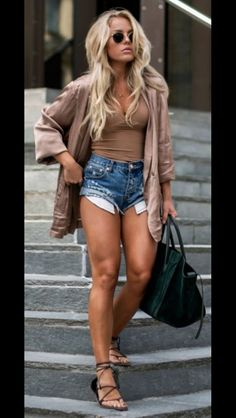 I have to start working on my legs!  I need to look this good this summer!