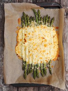 CREAMY ASPARAGUS AND AGED CHEDDAR BAKE : This is a great side dish for a grilled meat meal. It would also be great for entertaining or a brunch table.