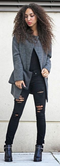 Larissa Bruin is wearing a grey coat from Ichi, black top and jeans from H&M and Seven respectively and the shoes are from Invito