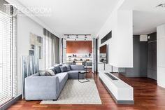 Trendy kolorystyczne w aranżacji wnętrz Home Fashion, Divider, Couch, House Styles, Room, Furniture, Carpets, Home Decor, Decorating