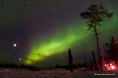 http://www.reisedoktor.com/reisemagazin/reiseberichte/finnland-winterreise/  Nordlicht in Finnland