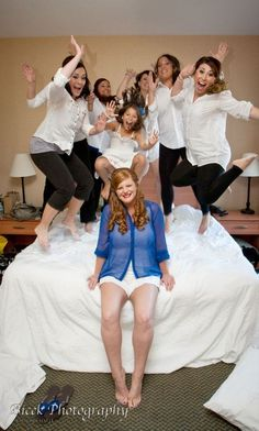 Bridal party photo....I know I'll fall in love again, so ill be glad I pinned this cure idea!!