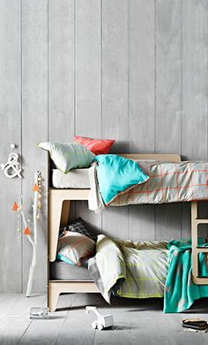 bunk beds kids. Childrens are so happy that they deserve a colorfull place to be in. Decorate your children room with colorfull chandeliers, and a modern bed. See more home design ideas at www.homedesignideas.eu