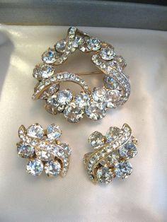 Vintage Eisenberg Clear Crystal Rhinestone Brooch & Earring Set by jwvintagejewelry $158.00