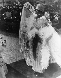 Cornelia Stuyvesant Vanderbilt and her aunt Edith Stuyvesant Dresser Vanderbilt (Mrs. George W. Vanderbilt II), at Cornelia's 30 Apr 1924 wedding to British Diplomat John Cecil (All Souls Church, Biltmore Village, Asheville, NC). Vintage Wedding Photos, Vintage Bridal, Wedding Pictures, Vintage Photos, Vintage Weddings, Country Weddings, Lace Weddings, Silver Weddings, Classic Weddings