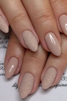 Nude & Glitter Wedding Nails for Brides / www.himisspuff.co...... - http://travelumroh.website/2017/11/03/nude-glitter-wedding-nails-for-brides-www-himisspuff-co-2/