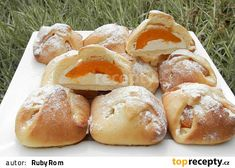 Šátečkové koláčky s tvarohem a meruňkami Czech Recipes, Pretzel Bites, Hamburger, Bread, Cheese, Baking, Cake, Health, Biscotti