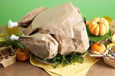 Pollo de papel relleno de palomitas