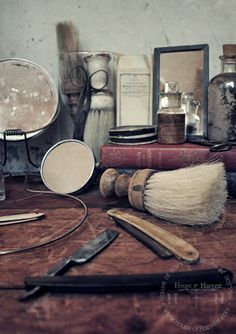 Barber Shop Decor : ... BARBER SHOP/BEAUTY SHOP on Pinterest Barber shop, Barbers pole and
