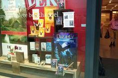 Mijn nieuwe boek Dizary ligt groots pal naast de nieuwe van JK Rowling the…