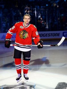Patrick Kane at the 2017 ALL STAR GAME. It kinda looks like he's floating.