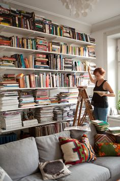 those shelves are AMAZEballs  love this , my dream to have so much books and this shelves.