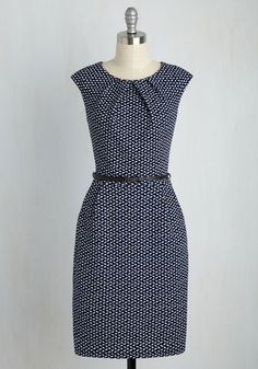 Fashion dresses Teaching Classy Sheath Sheath Dress in Parallelograms. Share your knowledge with admiring students while delivering a bonus lesson in chic style - as exemplified by this cobalt sheath. Simple Dresses, Day Dresses, Cute Dresses, Dress Outfits, Casual Dresses, Fashion Dresses, Dresses For Work, Dresses With Sleeves, Summer Dresses