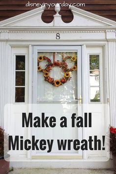 Make a fall Mickey wreath! The perfect way to add a touch of Disney to your fall or autumn home decor. Deco Disney, Disney Diy, Disney Crafts, Disney Ideas, Disney Magic, Disney Thanksgiving, Disney Christmas, Disney Holidays, Thanksgiving Ideas