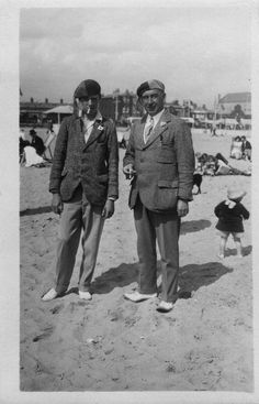 Possibly taken at Great Yarmouth, UK. About 100 years ago? Great Yarmouth, David, Time Travel, Vintage Photos, Drill, Creepy, The Past, Old Things, Skeleton Keys