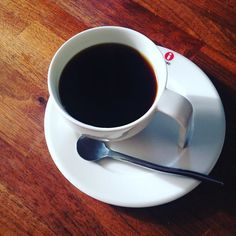 おはようございますあっという間に11月最後の一日 . 一週間の仕事を美味しいコーヒーからはじめましょ . 今週もよろしくお願いします . #coffee #cafe #life