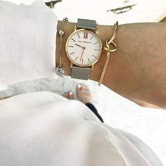 We know you love simply, so you love AllyDenovo. Gold Watch, Watches, Instagram Posts, Minimal, Accessories, Style, Fashion, Swag, Moda