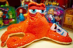 🏝В НАЛИЧИИ  Мягкая игрушка 🐙💦Осминог из мультфильма 🐳В Поисках Дори🐠 🐋🐢Размер игрушки 40 см. #дисней#диснейстор#осминог#осминожка#впоискахдори#дори#мягкаяигрушка#мягкиеигрушки#плюш#плюшевыеигрушки#плюшеваяигрушка#игрушкидисней#disney#disneystore#disneystore_toy#