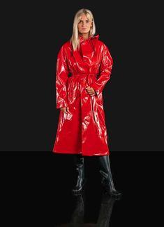 Patent Trench Coats, Red Trench Coat, Red Raincoat, Vinyl Raincoat, Imper Pvc, Rain Fashion, Vinyl Clothing, Rouge, Wraps