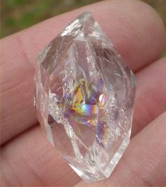Herkimer Diamond A very powerful balancer of the body and emotions. Assists in astral projection and dreaming. Very powerful stone, should be used with caution. Usually double terminated, comes from only one place: Herkimer, New York. Were once illegal Minerals And Gemstones, Rocks And Minerals, Crystal Magic, Crystal Grid, Mineral Stone, Herkimer Diamond, Rocks And Gems, Healing Stones, Healing Crystals