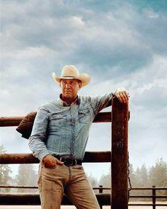 Kevin Costner as John Dutton in Kill the Messenger (June 27 Yellowstone Series, Kelly Reilly, Ensemble Cast, Cowboy Up, Kevin Costner, Beard Lover, Country Men, Older Men, Beard Styles