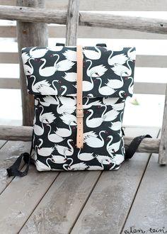 eilen tein: LUUKKU 11: DIY REPPU, OHJEET + ARVONNAN VOITTAJA Diy Clutch, Diy Purse, Mochila Tutorial, Diy Pouch Bag, Sewing Alterations, Diy Bags Purses, Diy Couture, Fabric Bags, Sewing Accessories