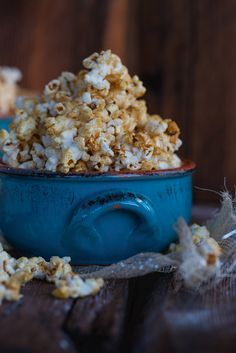 Sweet & Salty Caramel Kettle Corn - Low fat So easy. So delicious. So addictive!