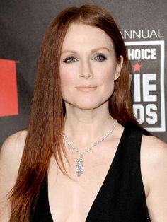 New hair color for green eyes redheads ideas Hair Colour For Green Eyes, Hair Color For Fair Skin, Hair Color Dark, New Hair Colors, Green Hair, Dark Hair, Eye Colors, Julianne Moore, Zooey Deschanel