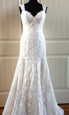 Essense of Australia D1721: buy this dress for a fraction of the salon price on PreOwnedWeddingDresses.com