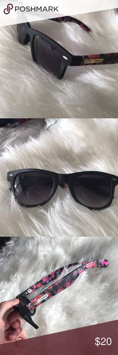 Betsy Johnson Wayfarer Sunglasses Cute black wayfarers with floral bands. Lenses are black gradient to lt. grey on the bottom. Few scratches on the lenses but overall good quality. Two tiny scratches on on the back of the left band through the floral, but unnoticeable when wearing. Authentic! I no longer have the case. Betsey Johnson Accessories Sunglasses