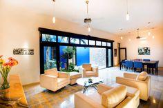 Sala comedor - Patio Azul (De Taller Estilo Arquitectura)