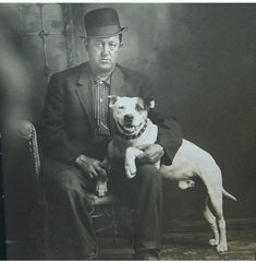 1900 colección C.H. If the pittie had on a bowler, too, this picture would be perfect.